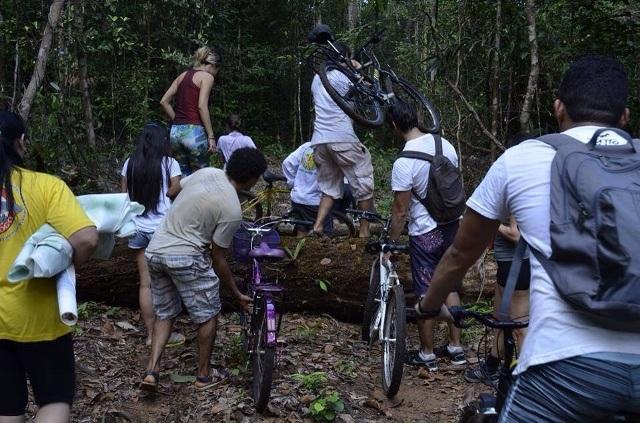 …e outros obstáculos que são vencidos com bravura durante a aventura