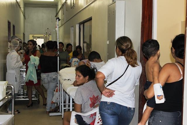 Na primeira visita o MP detectou crianças sendo atendidas no corredor