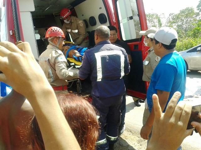 A menina de 16 anos foi levada para o Hospital de Emergência
