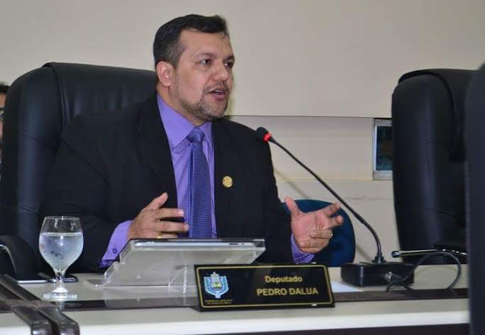 Deputado Pedro da Lua exige esclarecimentos da Unimed