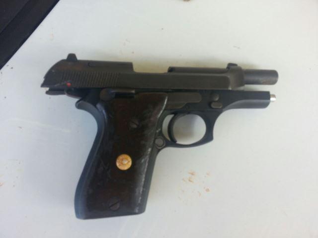 Pistola do crime foi encontrada pela polícia. Fotos: Jair Zemberg