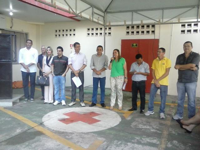 O prefeito de Macapá Clécio Luís entregou os equipamentos aos diretores das unidades