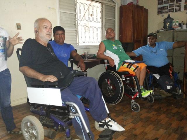 Cadeirantes reclamam da falta de acessibilidade na cidade
