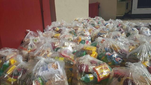 As cestas básicas beneficiaram 100 famílias de carapirás de Macapá. Foto: Ascom/Aleap