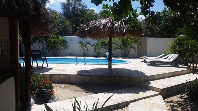 O complexo tem duas piscinas