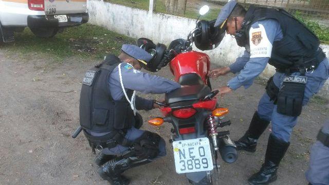 Moto utilizada no crime. Fotos: BPRE