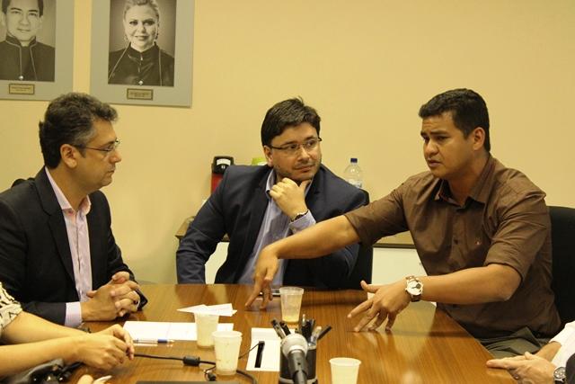 Secretário adjunto da saúde, Teles Júnior, faz avaliação do setor ao MP