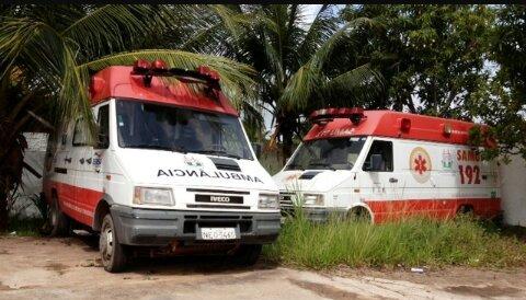 Ambulâncias abandonadas no fim da gestão de Roberto Góes