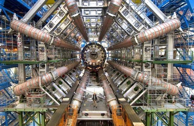 O maior acelerador de partículas do mundo. Foto: internet