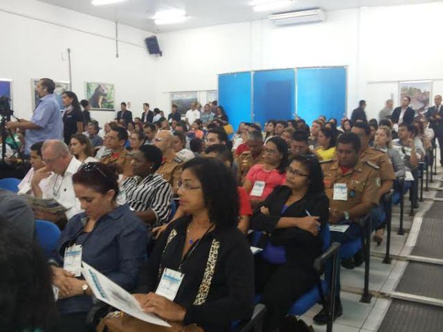 Gestores públicos de todos os municípios participam do evento. Fotos: Cassia Lima
