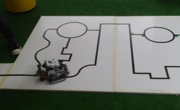 Robôs precisam executar várias tarefas. Fotos: Cássia Lima