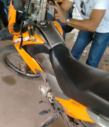 Moto adulterada foi apreendida pela polícia