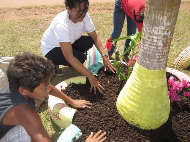 O projeto tem ajuda de crianças e adolescentes que passaram por uma oficina. Fotos: Augusto Sampaio