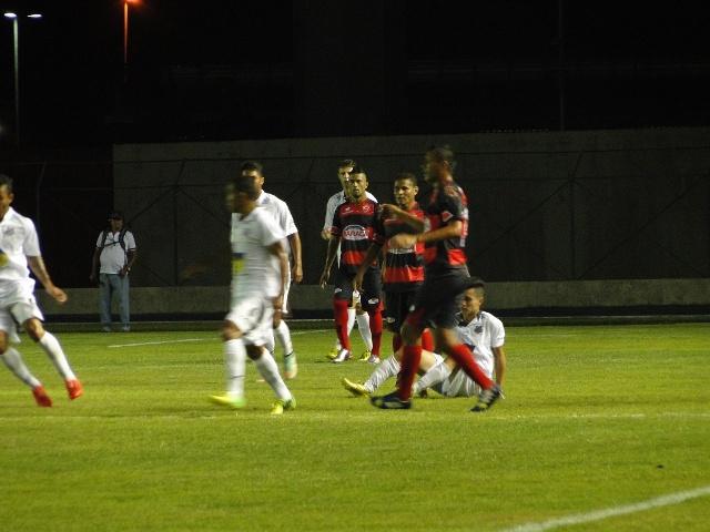 Mesmo com as modificações feitas por Minga, o time do Santos não conseguiu o empate