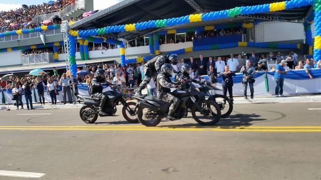 Policiais do Giro realizaram manobras que surpreenderam o público
