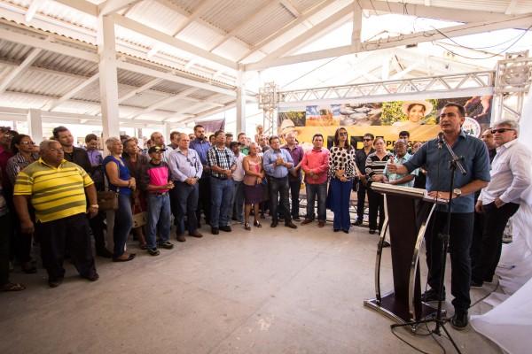 No lançamento do programa, o governador Waldez Góes enfatizou os incentivos aos agricultores. Fotos: Agência Amapá