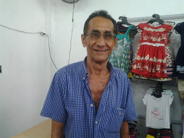 Comerciante há 15 anos, Gileno Ramos, vai fechar a última loja da família. Fotos: André Silva