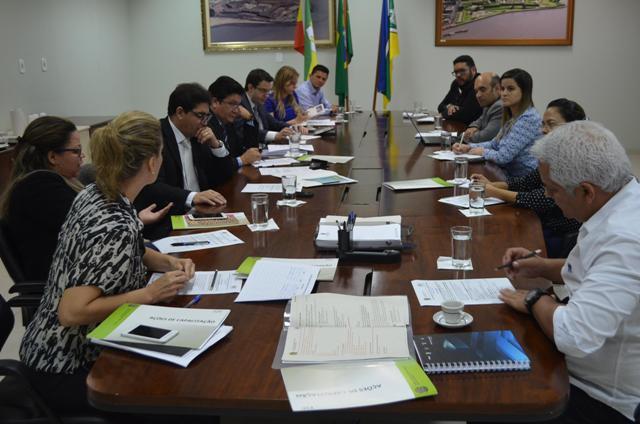 Reunião com órgãos participantes do evento que definiu a programação. Fotos: Ascom/TRE-AP
