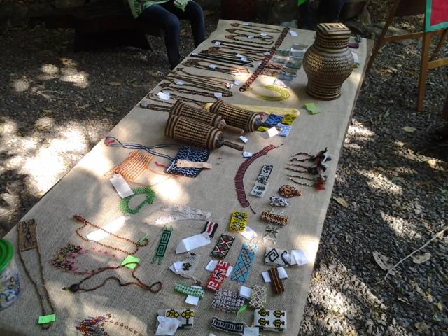 Artesanato indígena foi colocado à venda. Fotos: André Silva