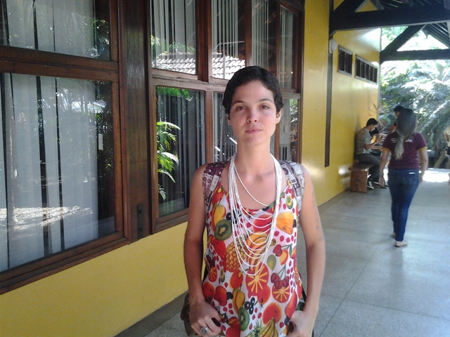 Moahra Fagundes, indigenista da Funai: eles gostam de mostrar produção de mel
