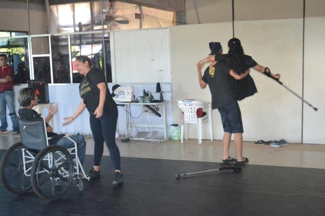 Três pessoas com diferentes tipos de deficiência fazem parte do grupo