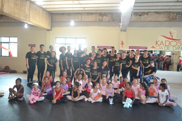 Grupo de Dança Kadoshi também tem crianças se preparando para o futuro. Fotos: André Silva