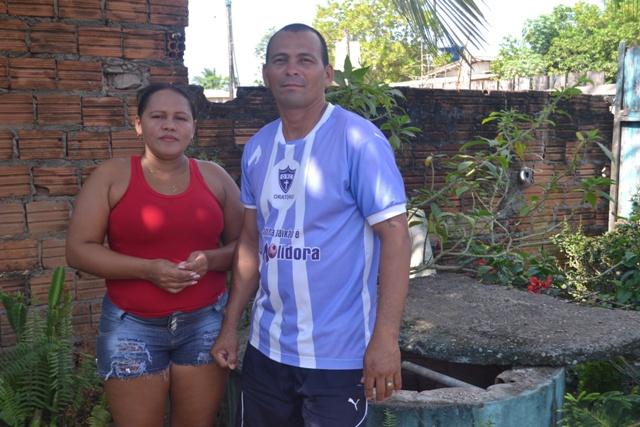 Dona Dina e o esposo: todos os anos vivemos o mesmo problema. Fotos: André Silva