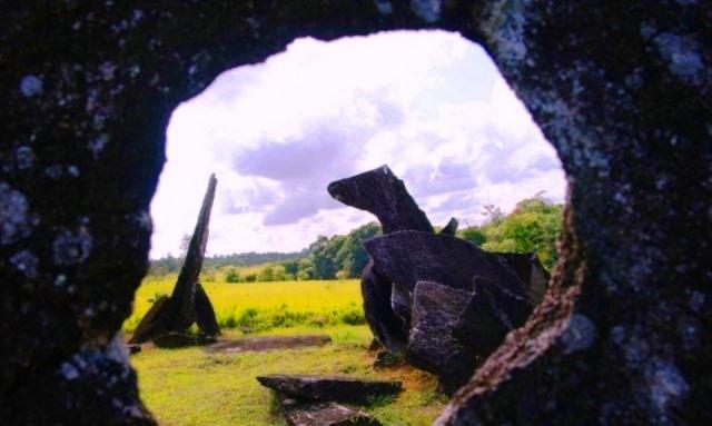 147 blocos de granito com até cinco toneladas