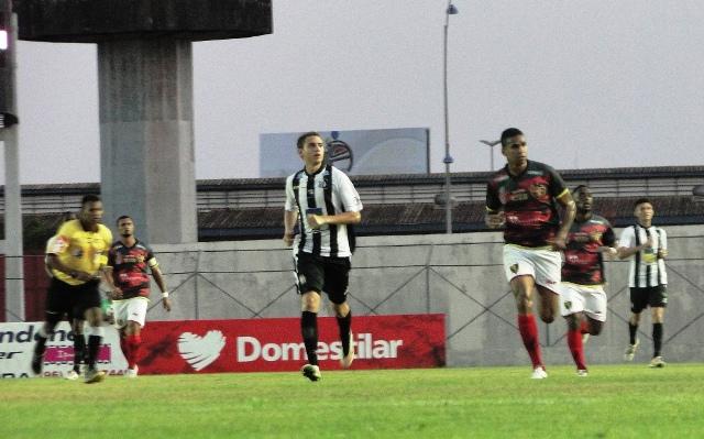 Agora, o Santos só pensa na segunda partida das semifinais do Amapazão. Fotos: Elcio Barbosa