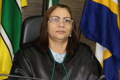Presidente do TCE, Maria Elizabeth Picanço reitera a decisão do Pleno. Fotos: Ascom/TCE