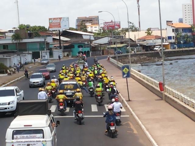Os mototaxistas acompanhar a imagem até a rampa do Santa Inês