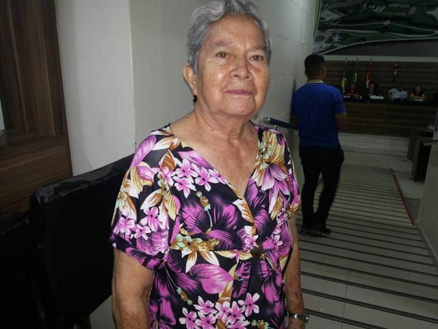 """A aposentada Elza Calandrine: """"ao menos o respeito"""""""