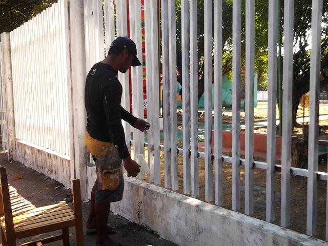 Comunidade ajuda na reforma do Centro de Cultura Negra. Fotos: André Silva