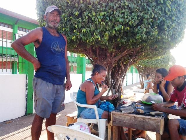 Ubiratan leva a família inteira para trabalhar