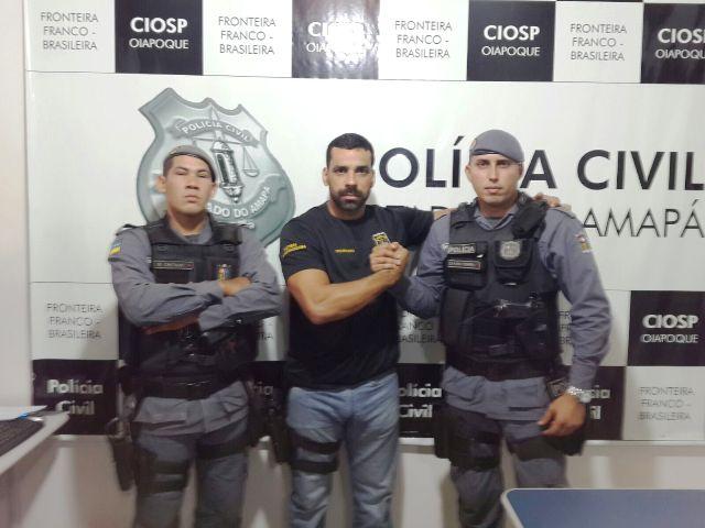 No meio, delegado Charles Corrêa teve o apoio da Polícia Militar nas prisões