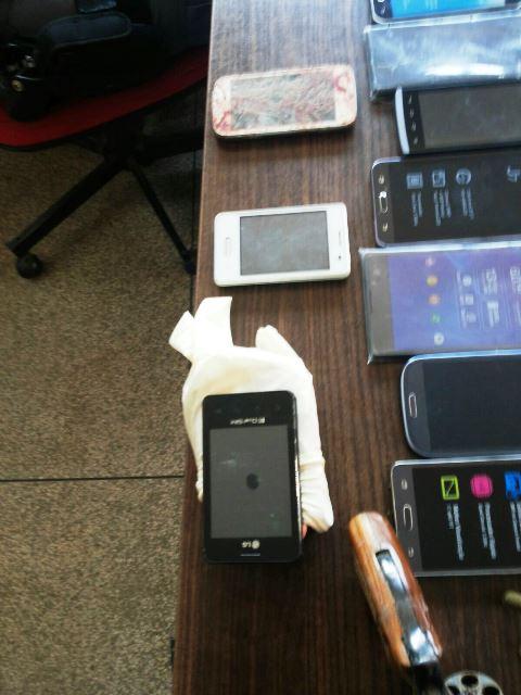 19 celulares roubados foram recuperados. Fotos cedidas pelo 4 BPM