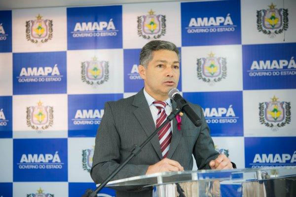 Procurador-geral do MPE, Roberto Álvares: