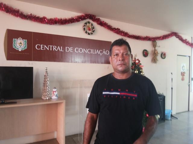 Denis Pereira negocia pensão alimentícia para a filha. Fotos: Cássia Lima