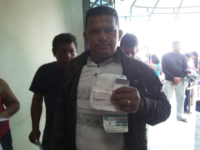 Moisés Silva: aumento de R$ 180 para R$ 577 na fatura. Fotos Cássia Lima
