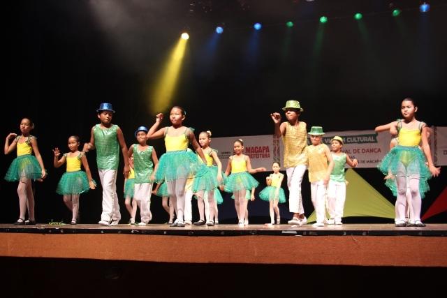 Rock, tarantella, MPB, apresentações tiveram vários tipos de dança