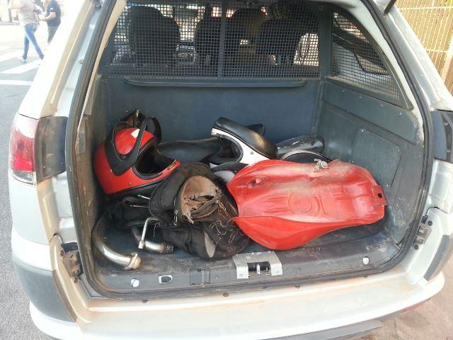 Peças de outras motocicletas encontradas com os acusados. Fotos: Jair Zemberg