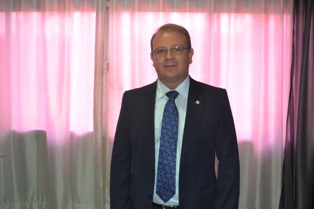 Luiz Carlos é ex-deputado federal, advogado e presidente do PSDB