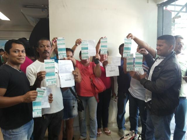 Consumidores revoltados com a conta de luz na Central de Atendimento da CEA. Foto: Cássia Lima