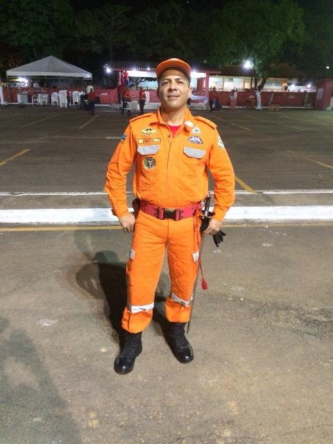 Há dois meses o coronel Roberto recebeu o título de mestre pela Universidade Federal Fluminense