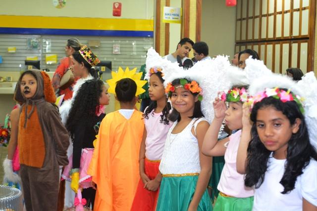 Coral de criança da Escola Gonçalves Dias. Fotos: André Silva
