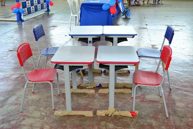 Além das centrais e mobílias, escolas receberão equipamentos para as cozinhas e computadores