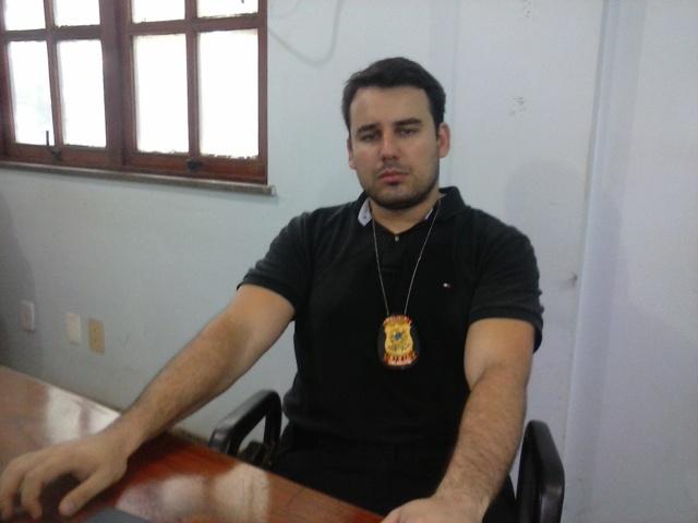 Delegado Daniel Marsili: fomos cumprir mandado de roubo e encontramos a droga. Fotos: Cássia Lima