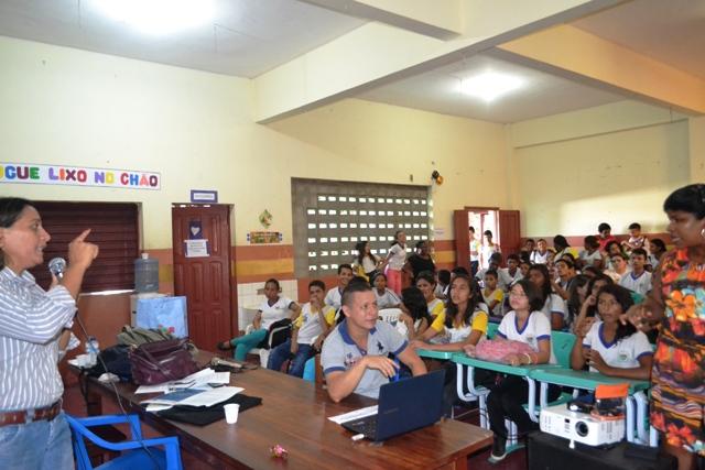 A participação dos alunos nas palestras foi grande
