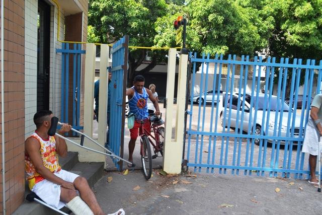 Os portões ficaram fechados por várias horas