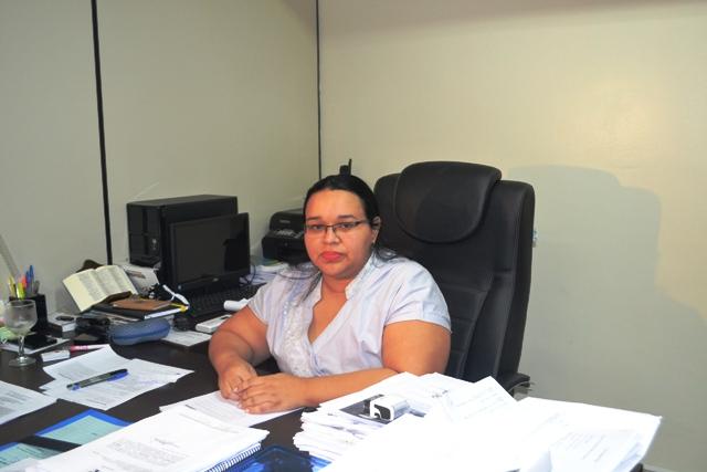 Secretária Renilda Costa: queremos resolver o problema das placas até o fim de novembro